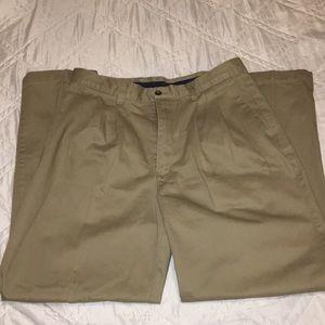 Men's Docker's Khaki Pants Size 34/32